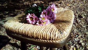 Barska stolica sa pletenim sedištem