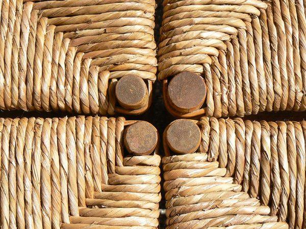 bambus hoklice sa pletenim sedistem od rogoza