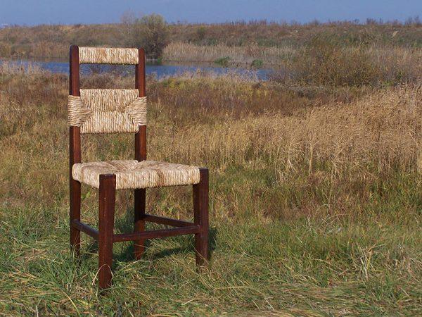 pletena stolica od rogoza